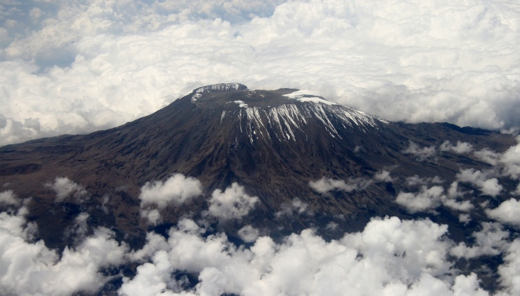 Mount_Kilimanjaro_Dec_2009_edit1.jpg
